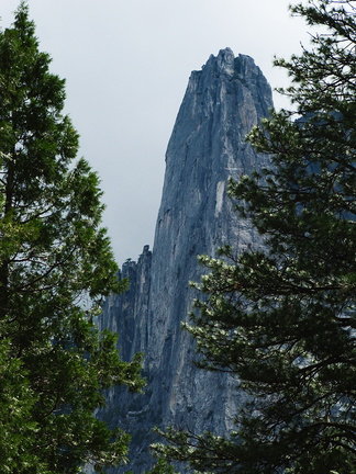 Cathedral-Rock-Yosemite-2010-05-26-IMG 5787