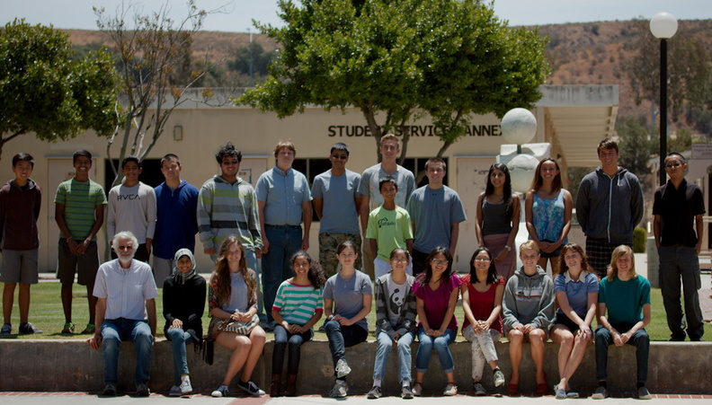 Biotech-high-school-workshop-group-Moorpark-2014-06-26-IMG_0205.jpg