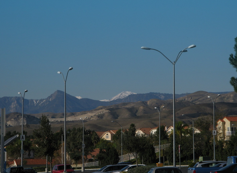 snowy-mountains-moorpark-parking-lot-2008-12-18-IMG_1628.jpg