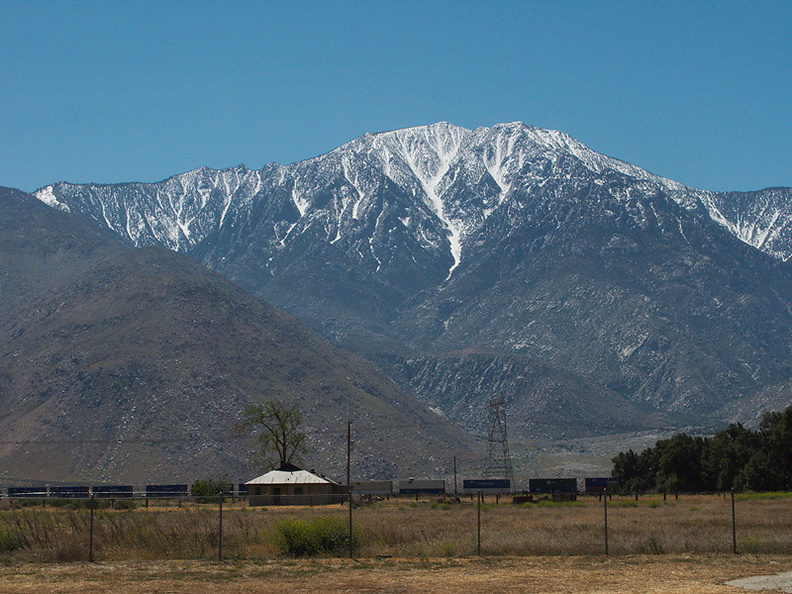 view-snowy-mountain-I-10-reststop-2010-04-24-IMG 4524