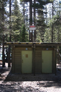 lake-mary-outhouse-CO2-sign-2007-08-05-img 4241