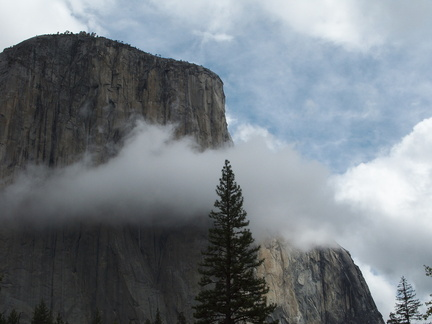 cloud-and-cliffs-near-Bridalveil-Fall-Yosemite-2010-05-26-IMG 5799