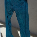 indigo-jeans-coming-out-of-dye-bath-2011-12-07-IMG_3656.jpg