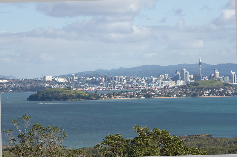 Auckland-from-Rangitoto-summit-track-26-07-2011-IMG_3272.jpg