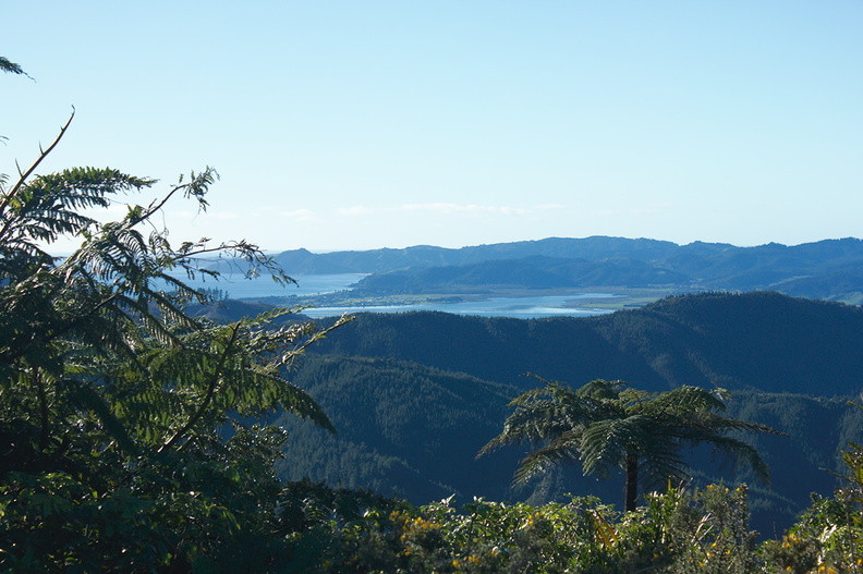 view-Coromandel-bay-from-pass-on-SH25-30-06-2011-IMG_2598.jpg