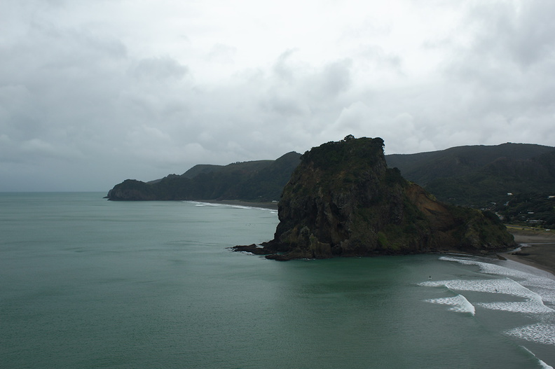view-from-Tasman-Lookout-Piha-Beach-21-07-2011-IMG_3101.jpg
