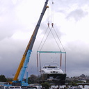 lowering-yacht-to-water-Port-Sulphur-marina-Tauranga-2015-10-13-IMG 5713