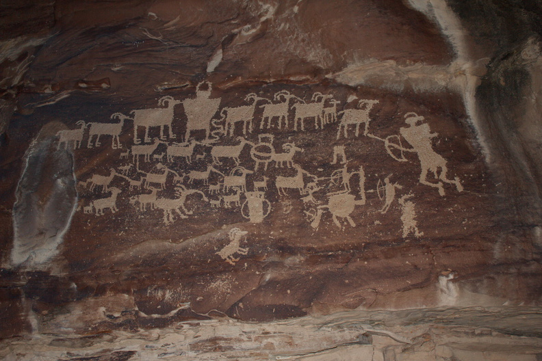 petroglyphs-Great-Hunt-Nine-Mile-Canyon-Uintas-2016-11-07-IMG_3552.jpg