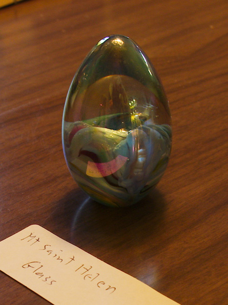 Mt-St-Helens-glass-small-egg1--IMG_7311.jpg