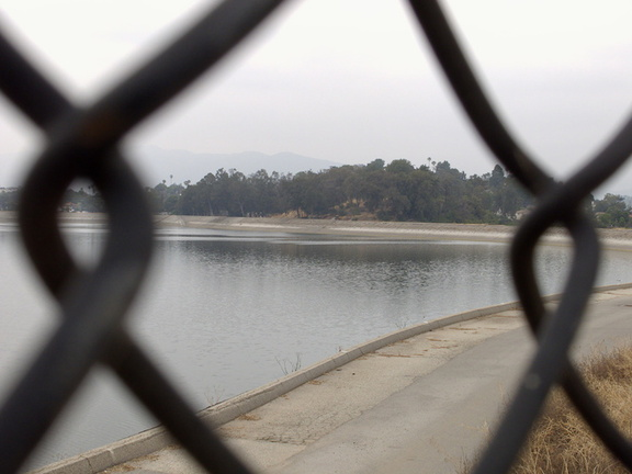 Silver-Lake-reservoir-with-drought-evaporation-lines-Los-Angeles-2015-05-25-IMG 5009