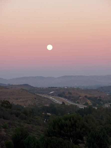 moon-and-Venus-belt-Moorpark-2016-08-17-IMG_7232.jpg